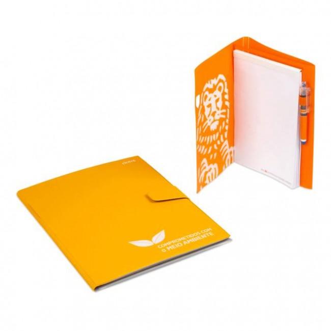 Triple Q: Carpetas de gomas o pinza,  archivadores y portablocs.carpeta-portabloc-con-bolsillos-portaboligrafo-diversos-cierres-y-materiales.1582799676CP05A_BoDeGoW1000-carpetas-portabloc-personalizables.jpg