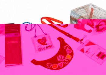 TRIPLE Q: Neceseres, carpetas y fundas de plástico reciclable a medida.sobres-documentacion-viaje-carpetillas-fundas-identidicadores-maleta-wellcome-pack-de-plastico-reciclable-para-turismo.1586950020DC02A_CaTeGoW1000_selección-productos-para-turismo-eventos-agencias-de-viaje-hoteles.jpg